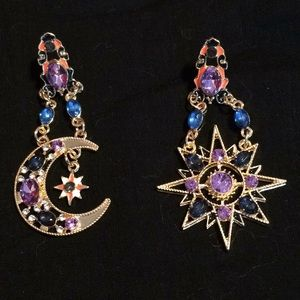 Beautiful Moon 🌙 & Star ⭐️ earrings.